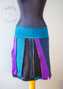 Unikatna kikla Kostevka, velikost S, turkizno-vijolična z navpičnimi črtami